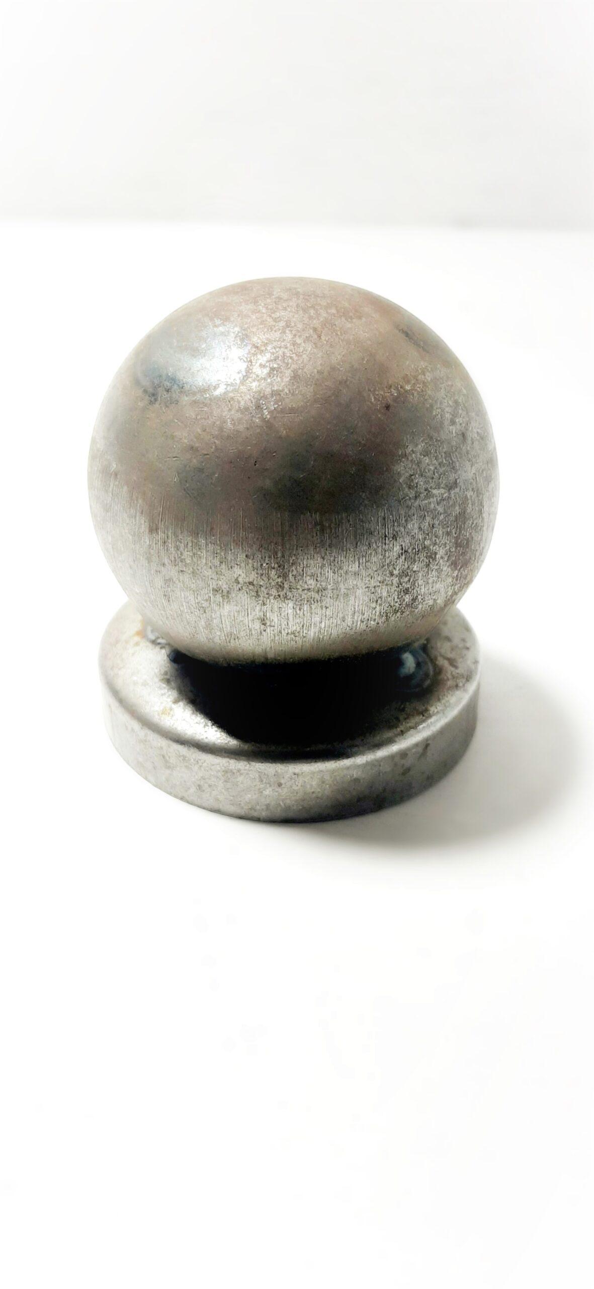 Заглушки металлические D-52